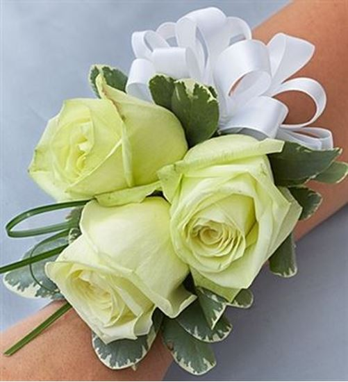 Picture of Beach Corsage Arrangement